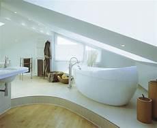 das badezimmer unterm dach individuelle 7 tipps f 252 r das badezimmer unterm dach kleines bad