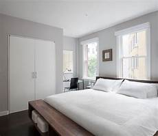 modern master bedroom paint color benjamin moore ice mist oc 67 paint pinterest modern