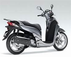 honda sh 300i 2015 honda sh 300cc scooter rental in sardinia olbia italy