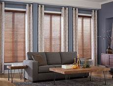 Fenster Gardinen Rollos - blinds or curtains or both top things to consider when