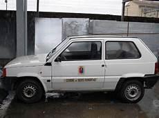 auto in gemieteter garage il comune segue l esempio governo le vecchie auto in
