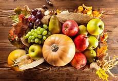 Malvorlagen Herbst Obst Fotos Blattwerk Herbst K 252 Rbisse 196 Pfel Birnen