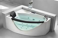 Small Bathtubs by 20 Best Small Bathtubs To Buy In 2019