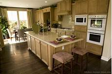 traditional light kitchen cabinets kitchen design ideas org for the home kitchen