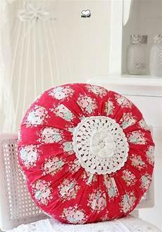 runde kissen die besten 25 runde kissen ideen auf pinterest quilt