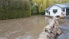 Sac De Inondation Le Risque D Inondations Reste 233 Lev 233 Dans L Okanagan Ici