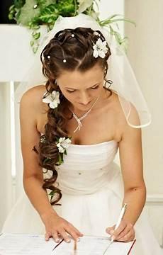 brautfrisuren geflochten mit schleier brautfrisuren lange haare mit schleier und diadem