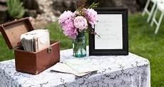 tips handling the wedding gift table