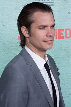 cele bitchy timothy olyphant hands out fake justified spoilers funny or tasteless