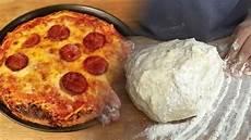 schneller pizza teig f 252 r amerikanische pizza papa s