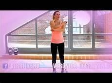 übungen gegen winkearme 10 min workout f 252 r straffe arme arme trainieren zuhause