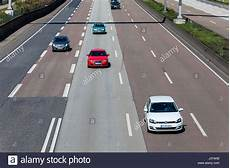 stau a5 frankfurt traffic german autobahn stockfotos traffic german