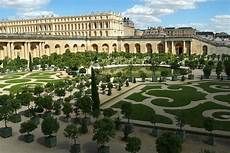 guided half day tour of the palace of versailles paris