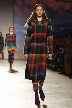 gigi hadid at missoni fashion show at milan fashion week