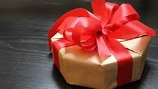 geschenke verpacken schachtel im achteck originell