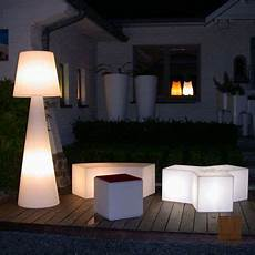 terrasse design exterieur outdoor floor light pivot white h200cm slide nedgis