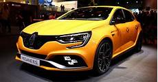 2018 renault megane rs breaks cover with alpine a110 s engine