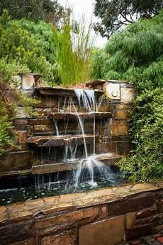 decoration cascade d eau la d 233 co ext 233 rieure avec une fontaine murale fontaine