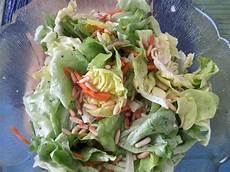 kalorien gemischter salat gemischter salat mit pinienkernen und honig senf