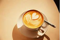 kaffee mit milch kaffeespezialit 228 ten milchkaffee latte macchiato co im