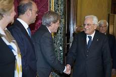 segretariato generale della presidenza consiglio dei ministri il presidente sergio mattarella saluta i ministri in
