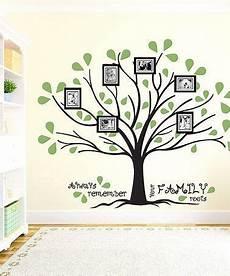 l arbre du 224 peindre sur l un des murs du studio