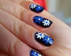 80 best floral nail art designs you should try in 2019 2