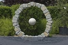steinkunst im garten steine f 252 r g 228 rten findling ch steine f 252 r g 228 rten