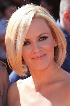 medium length bob hairstyle pictures curly hairstyles