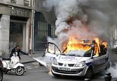 incendie de la voiture de le syndicat des avocats