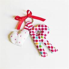 lettere per mamma ciondolo per portachiavi lettere di stoffa idea regalo