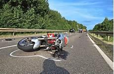 T 246 Dlicher Unfall Im Kreis Reutlingen 16 J 228 Hriger Biker