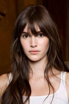 20 eye catching hairstyles with bangs design trends