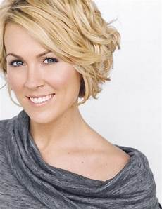 20 best short wavy haircuts for popular haircuts