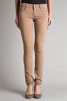 Pantalon Femme Il Ne Faut Pas Le Choisir Trop Large