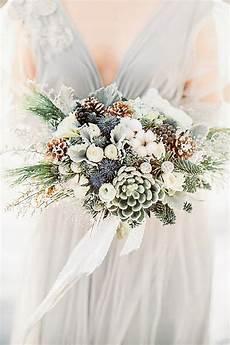 winter wedding flower bouquet ideas 42 stunning winter wedding bouquets winter bridal