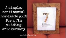 What Is The 7 Year Wedding Anniversary Gift