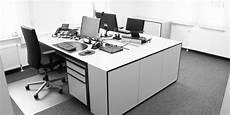 inneneinrichtung bueromoebel design schwarz sideboard auxilium shop unikat design sideboard