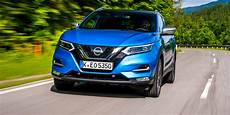 nissan qashqai farben nissan qashqai colours guide and prices carwow