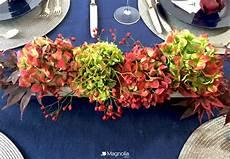 hortensien gesteck selber machen ein centerpiece mit hortensien und beeren schnell selber