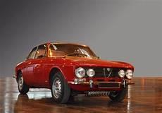 alfa romeo bertone photo alfa romeo coupe bertone 2000 gtv coup 233 1973 m 233 diatheque motorlegend