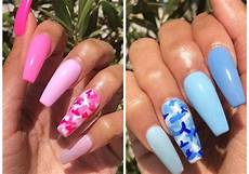 this pretty nail design is perfect for summer