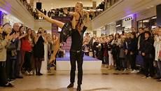late night shopping stuttgart late night shopping party stars show im alstertal