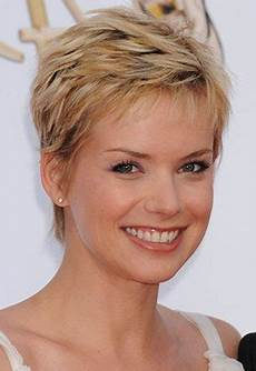 20 pixie hairstyles for over 50