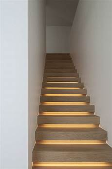 Treppenhaus Led Beleuchtung - 15 modern staircases with spectacular lighting