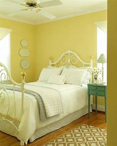 Yellow Walls Bedroom Decorating Ideas by 30 Beautiful Yellow Bedroom Design Ideas Decoration