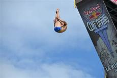 file chionnat bull cliff diving world series 2013 arr 234 t de la rochelle 76 jpg