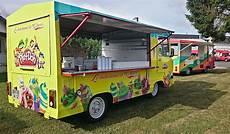 louez un camion de glaces marchand de glaces ambulant