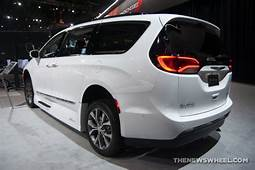Chrysler Pacifica Earns AutoPacific 2019 Vehicle