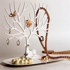 arbre à bijoux en bois arbre 224 bijoux cerf qualy 174 cadeau maestro